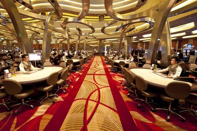 Marina Bay Sands còn là nơi tụ tập của các đại gia chơi bạc từ khắp nơi trên thế giới.