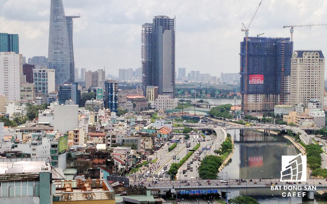 Công trường dự án thi công một nhánh cầu Nguyễn Văn Cừ