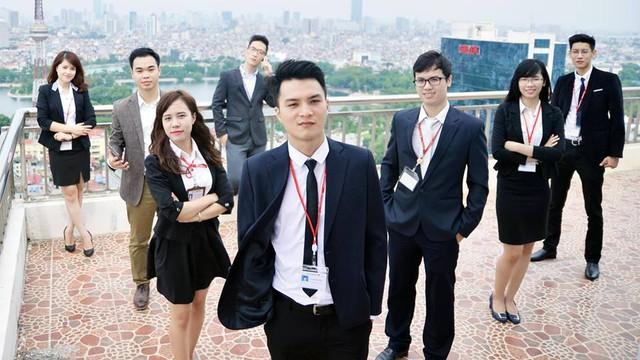 Các đồng nghiệp của tác giả tại Trung tâm kiểm soát tín dụng; hỗ trợ kinh doanh (CCA) - Techcombank. Ảnh: Tác giả cung cấp.