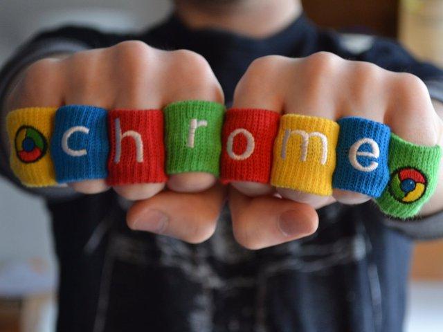 """Google Chrome ra mắt ngày 1/9/2008 cùng với lời mô tả cuốn hút của CEO Sundar Pichai: """"Giống với trang Google truyền thống, Chrome nhanh và sạch sẽ, đưa bạn tới nơi bạn muốn tới mà không cần dùng những cách đi thông thường""""."""