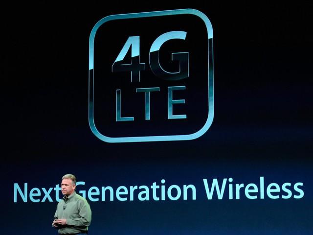 Sự bùng nổ của điện thoại thông minh đòi hỏi Internet phải có tốc độ cao hơn, điều khiến mạng 4G ra đời vào khoảng 7 năm trước nhằm đáp ứng yêu cầu người dùng.