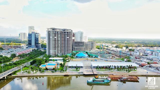 Tổ hợp Kentton Node với 8.000 căn hộ, dự báo sẽ tạo một áp lực rất lớn lên hệ thống hạ tầng giao thông khu này, nếu như các dự án cầu đường mới không kịp triển khai đầu tư