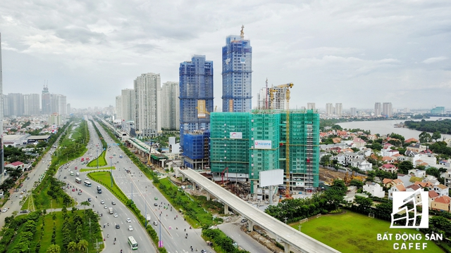 Xa lộ Hà Nội do CII làm nhà đầu tư đã được mở rộng gấp nhiều lần, kéo theo thị trường địa ốc dọc tuyến bùng nổ nhiều năm qua