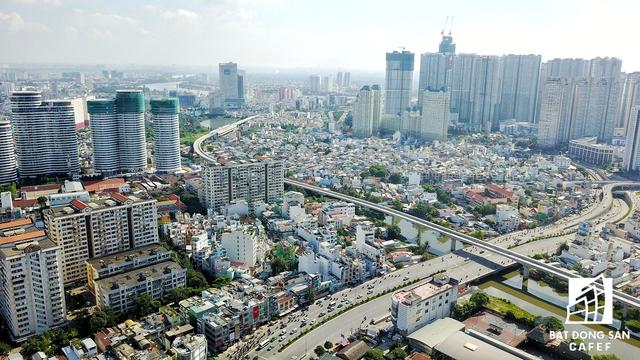 Tuyến metro sau chạy dọc từ đoạn cầu Sài Gòn cắt ngang đường Nguyễn Hữu Cảnh để bắt đầu chui vào nhà nga ngầm Ba Son.