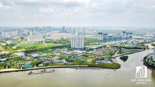Song song với việc đầu tư cây cầu 500 tỷ, TP.HCM đang đẩy nhanh tiến độ thi công Khu công viên Bờ sông Thủ Thiêm có diện tích hơn 50ha.
