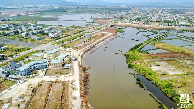 Mặt bằng các khu vực khác cũng đã được san lấp, nhiều tuyến đường nội bộ được xây dựng nhưng Trung Nam sẽ hợp tác với đơn vị khác để phát triển các giai đoạn tiếp theo.