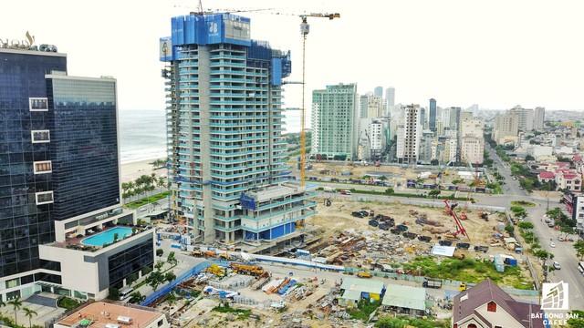 Nhiều dự án condotel với số lượng gần 600 căn đang đẩy nhanh tốc độ xây dựng.