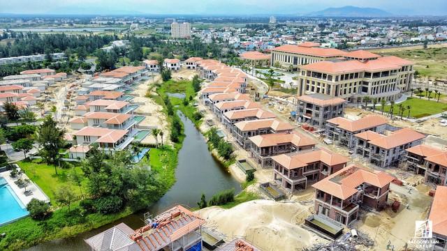 Mặc dù được thi công gấp rút đưa vào phục vụ APEC, tổ hợp nghỉ dưỡng này vẫn còn nhiều hạng mục đang dần hoàn thiện.