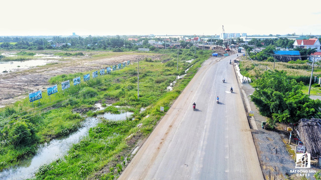 Nhờ tuyến đường này, thời gian qua nhiều nhà đầu tư đã triển khai phát triển các dự án khu dân cư, đất nền rộng lớn.
