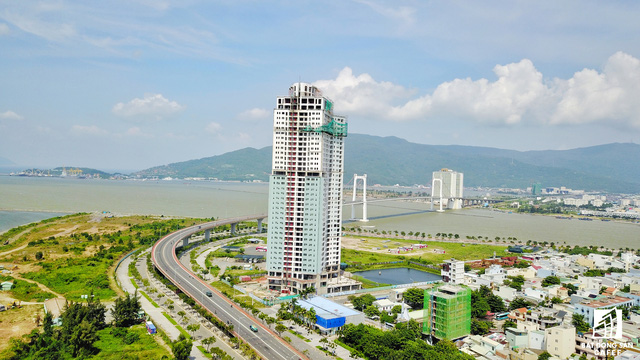 Khu vực cầu Thuận Phước hiện đang có nhiều dự án tái khởi động sau một thời gian dài nằm im do khủng hoảng thị trường