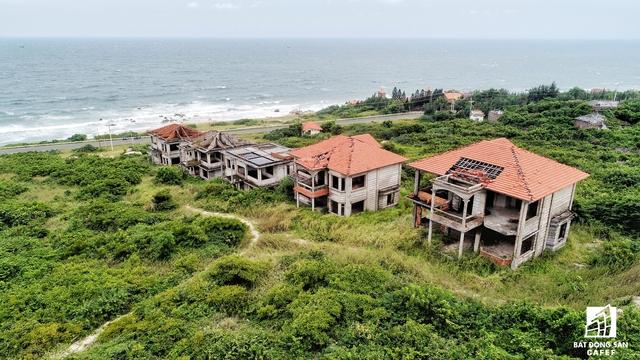 Tại những dự án khác như Hương Bắc, Phương Bắc, Đức Hạnh... cũng lâm vào tình cảnh hoang tàn tương tự.