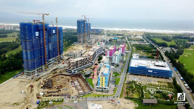 Tọa lạc tại ranh giới giáp với tỉnh Quảng Nam, Tổ hợp nghỉ dưỡng Cocobay Đà Nẵng đã đưa vào khai thác giai đoạn 1.