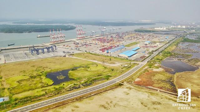 Cụm cảng Cái Mép - Thị Vải thuộc quy hoạch cảng biển số 5 đang được lắp đầy.