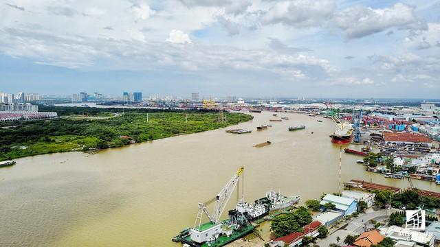 Vị trí sẽ được xây dựng cầu Thủ Thiêm 4, kết nối khu đô thị Thủ Thiêm với quận 7, cách chân cầu Thân Thuận (quận 4) khoảng 1km.