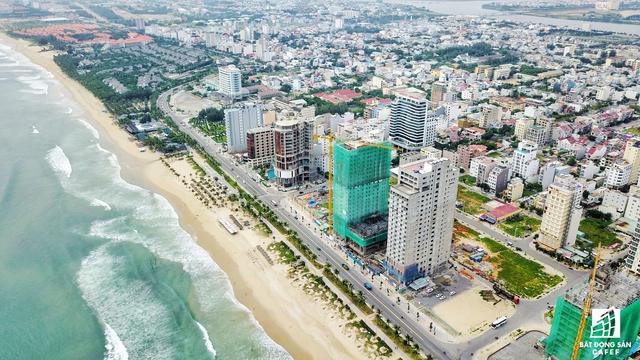 Đầu tư các dự án phát triển BĐS theo loại hình condotel tại Đà Nẵng đang hút các nhà đầu tư thứ cấp. Theo đó, nhà đầu tư coi đây là sản phẩm chủ lực để phát triển các dự án BĐS du lịch.