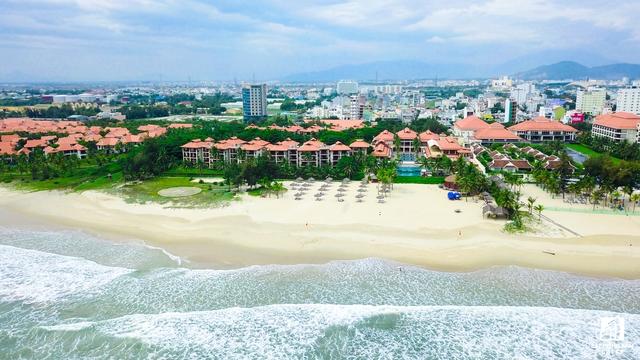 Cụm quần thể nghỉ dưỡng Ariyana Beach Resorts đang hoàn thành giai đoạn 2 nhằm kịp phục vụ hàng nghìn đại biểu trong và ngoài nước.