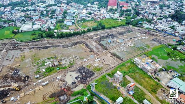 Theo khảo sát, hiện giá đất trên mặt tiền đường Tô Ngọc Vân đang dao động từ 70-90 triệu/m2. Giá trong các hẻm nhỏ liền kề tuyến đường này từ 35-50triệu/m2.