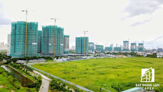 Cụm dự án Đảo Kim Cương và The Sunrise Avenue đang cạnh tranh tốc độ thi công.