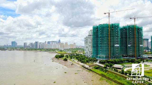 Theo đánh giá của nhiều nhà đầu tư, hàng loạt dự án hạ tầng mới đang được triển khai sẽ mở ra nhiều cơ hội mới cho BĐS khi Đông.. Đặc biệt, tại TP.HCM, các dự án bất động sản nằm liền kề tuyến đường này sẽ hưởng lợi nhiều nhất.