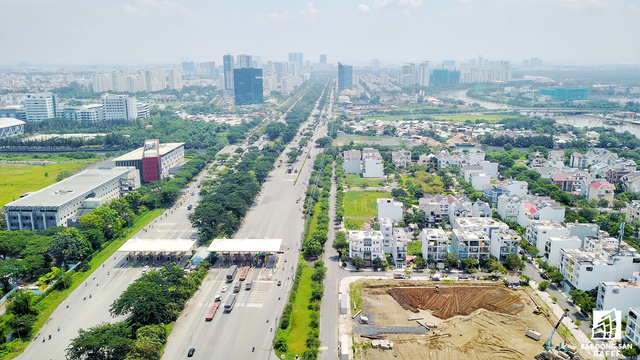 Ngoài hạ tầng tốt, khu Nam còn tập trung nhiều bệnh viện quốc tế, đại học quốc tế, siêu thị hiện đại.