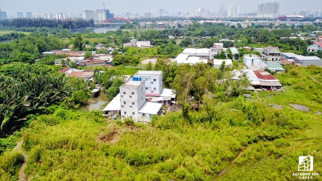 UBND TP. HCM yêu cầu Sở Tài nguyên và Môi trường cần phối hợp với UBND huyện Nhà Bè đề xuất hướng xử lý thu hồi phần diện tích đất còn lại của dự án và các dự án tương tự khác mà chủ đầu tư không thể thỏa thuận bồi thường với các hộ dân.
