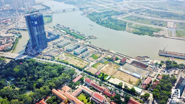 Ăn theo tiến độ xây dựng của một số nhà ga quy mô lớn sắp thành hình, thời gian qua, tại bờ Tây sông Sài Gòn tấp nập với nhiều dự án đô thị mới