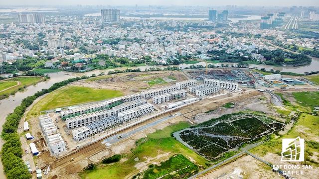 Theo đánh giá của Savils Việt Nam, trong quý 4/2017 thị trường khu Đông sẽ có gần 7.000 sản phẩm mới được bán ra ra thị trường. Đến năm 2018 - 2019, khu vực này chiếm 50% tổng nguồn cung đất nền của cả TP.HCM.