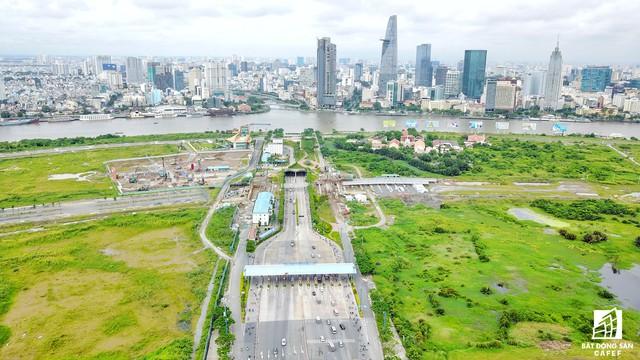 Dự án khu thành phố Sala được xây dựng ở bán đảo Thủ Thiêm, có qui mô hơn 100ha có hệ thống giao thông được đầu tư khá đồng bộ.