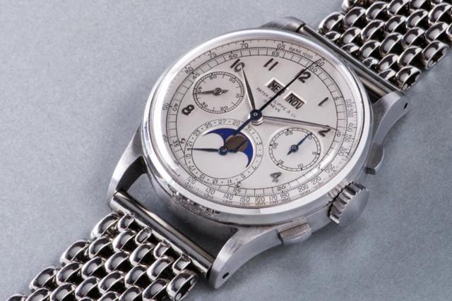 Mới đây, một chiếc đồng hồ Patek Philippe sản xuất năm 1943 đã được bán ra với giá kỉ lục – 11 triệu USD (khoảng 249 tỷ đồng).