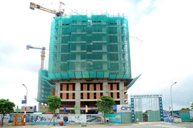 Dự án Him Lam Phú Đông hiện đang được xây dựng đến tầng thứ 15