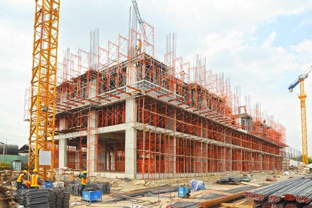 Những dự án sẽ cung cấp cho thị trường hơn 1.000 căn hộ tầm trung đang được Him Lam Land đẩy nhanh tiến độ thi công tại khu Đông.