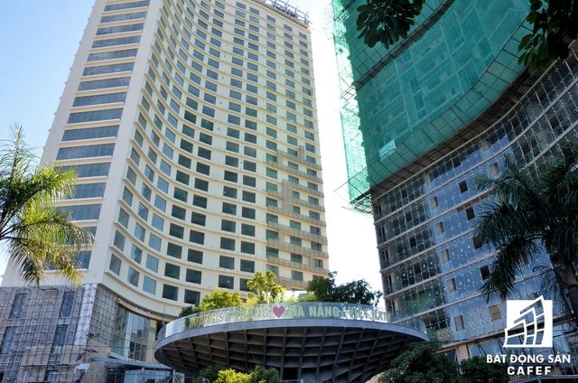 Xung quanh trung tâm Hội nghị APEC, nhiều công trình khách sạn trọng điểm khác cũng chuẩn bị khánh thành để đón đại biểu đến tham dự