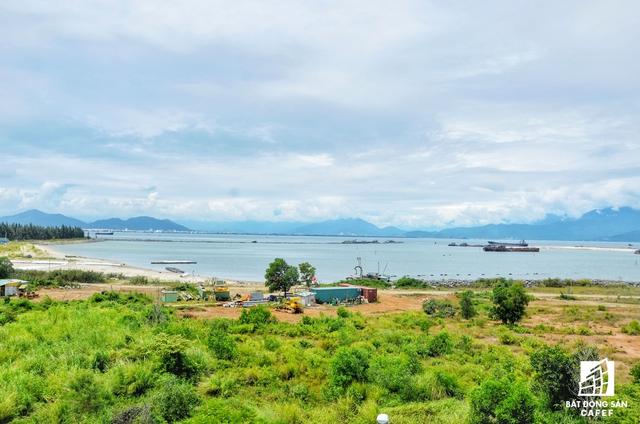 Harbour Ville Riverside Đà Nẵng hay còn gọi là vịnh Mân Quang, là khu phức hợp đô thị, thương mại và dịch vụ cao tầng nằm ở vị trí lý tưởng, ngay phía bờ đông chân cầu Thước, thuộc phường Thọ Quang, quận Sơn Trà, do Công ty CP Đầu tư Mega làm chủ đầu tư.