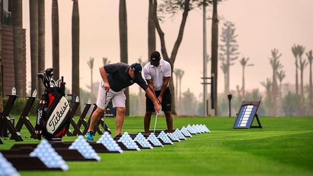 Chơi golf giúp nhiều giao lưu và mở rộng mối quan hệ.