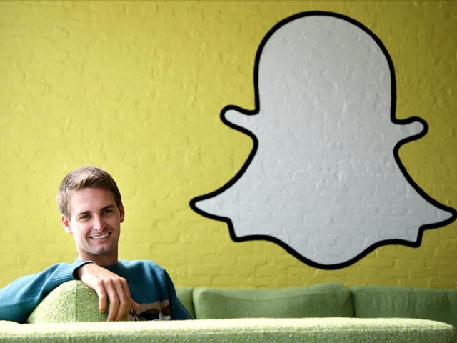 Evan Spiegel, CEO trẻ tuổi của Snapchat bỏ dở việc học chuyên ngành Thiết kế sản phẩm của đại học Stanford để gây dựng sự nghiệp của riêng mình. Dù chỉ còn 3 môn học nữa là có thể nhận được bằng, nhưng Evan vẫn quyết định nghỉ học để dành toàn lực cho Snapchat.