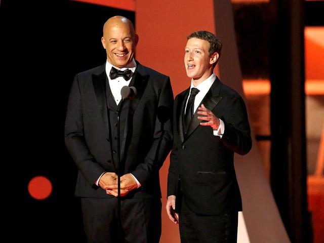 Hay người bạn ngôi sao Vin Diesel.