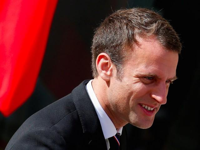 Emmanuel Macron là tổng thống mới của nước Pháp, người tuyên thệ nhậm chức hồi đầu tháng. Ông Macron hiện là Tổng thống Pháp trẻ nhất lịch sử đồng thời cũng là nhà lãnh đạo trẻ nhất của nước Pháp từ thời Napoleon.