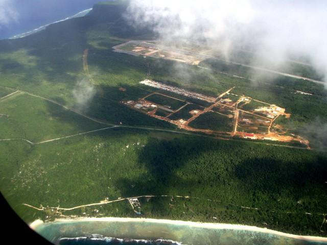 Căn cứ không quân Andersen nhìn từ trên cao. Hiện tại, Mỹ sử dụng căn cứ không quân này như là bệ phóng chiến lược cho các loại phi cơ ném bom chiến lược bay tới bán đảo Triều Tiên và các khu vực khác ở châu Á – Thái Bình Dương.