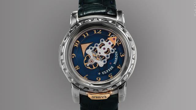 Khi ra đời, chiếc đồng hồ Ulysse Nardin Freak khiến nhiều người trên thế giới ngỡ ngàng bởi nó đã mở ra một kỷ nguyên mới cho ngành đồng hồ với những thiết kế cao cấp hơn nhưng cũng nhiều rủi ro hơn. Dù hiện nay, nhiều sản phẩm bắt chước theo Freak nhưng đây vẫn được coi là một tượng đài lớn trong ngành chế tác đồng hồ.