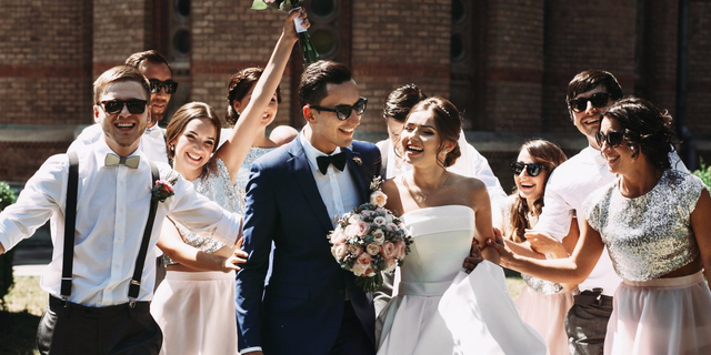 Đừng chi tiêu quá đà để hôn nhân trở thành chuỗi ngày trả nợ.