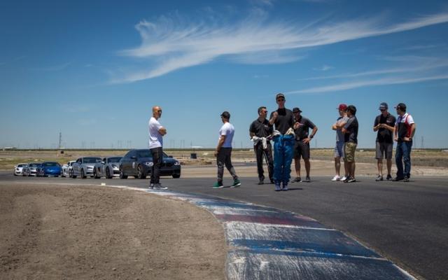 Rất nhiều người sở hữu siêu xe tham gia khóa học đào tạo lái xe của hãng.