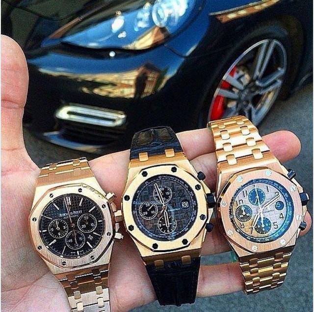 Chọn đồng hồ nào cho phù hợp với màu của siêu xe?