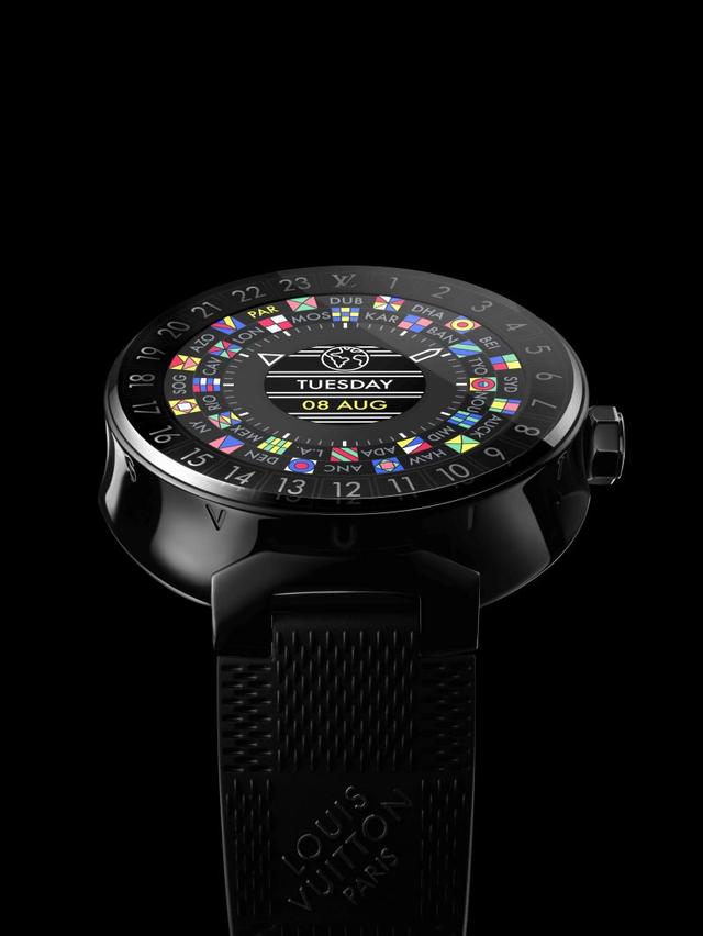 Chiếc đồng hồ thông minh này có thể thay thế điện thoại, giúp bạn cập nhật mọi thông tin và đảm bảo sự kết nối với thế giới. Nó tích hợp đầy đủ các chức năng lịch, báo thức, điện thoại, nhắn tin văn bản...