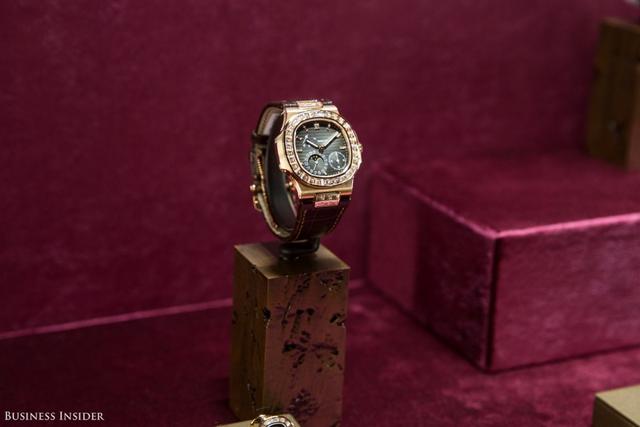 Đó là những mẫu đồng hồ đắt giá và hiếm nhất như chiếc Nautilus đính kim cương này.