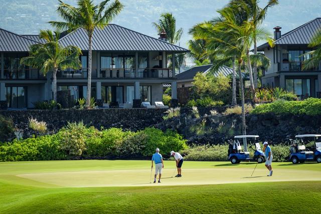 Tại Kohanaiki, các thành viên được thoải mái tham dự nhiều hoạt động giải trí ngoài trời như lướt sóng, lặn biển hay đánh golf.