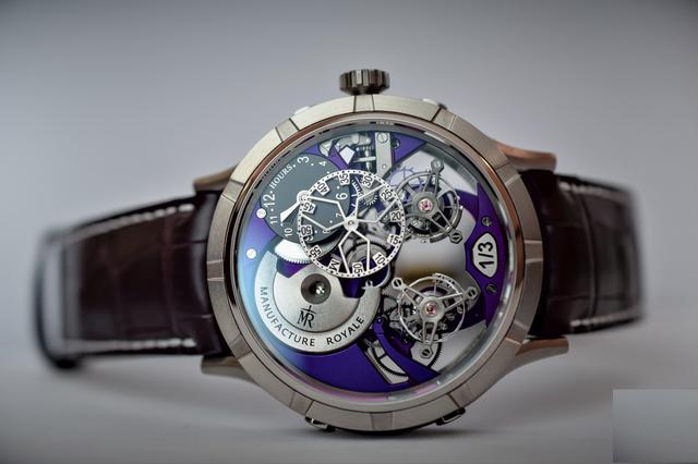Chiếc đồng hồ 1770 Micromegas Revolution có giá 149.100USD. Mặt số được chia thành 2 phần, một phần hiển thị giờ và một phần hiển thị phút. Tourbillon kép giúp chiếc đồng hồ hiển thị thời gian chính xác gần như tuyệt đối. Ra mắt năm 2017, 1770 Micromegas Revolution có các phiên bản giới hạn với mặt đồng hồ titanium màu tím, xanh dương hoặc phiên bản mặt đồng hồ làm từ vàng hồng và màu xanh lá. Mỗi phiên bản chỉ có 3 chiếc. Ngoài ra, khách hàng có thể lựa chọn đồng hồ 1770 Micromegas Revolution mặt đen cơ bản.