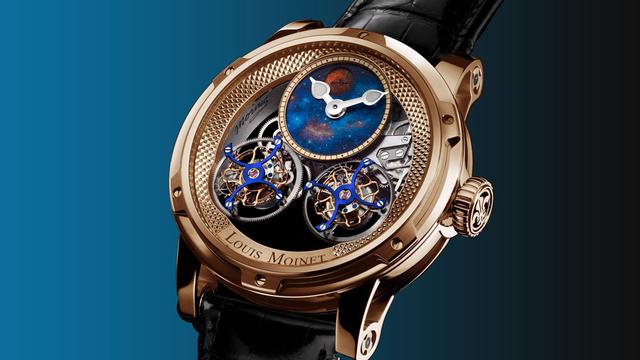 The Louis Moinet Sideralis là chiếc đồng hồ duy nhất có tourbillion xoay chiều ngược lại so với thông thường. Mẫu đồng hồ này có phiên bản màu trắng hoặc vàng 18k (giới hạn 12 chiếc mỗi loại). Phiên bản mặt số được vẽ tay bầu trời đêm giới hạn chỉ có 28 chiếc.
