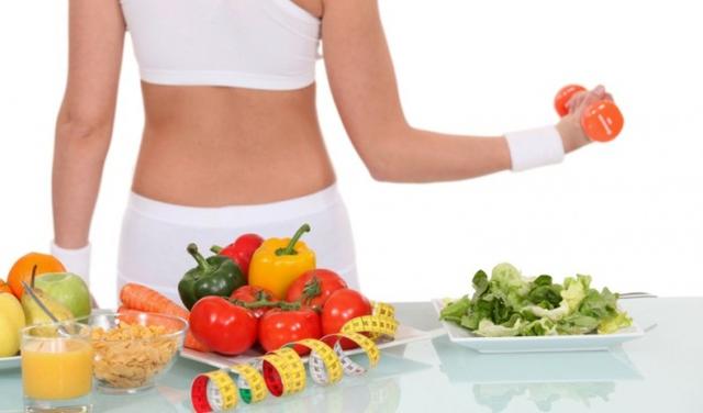 Duy trì lối sống lành mạnh và kiểm soát chế độ ăn uống để giảm nguy cơ tăng cholesterol trong máu và các bệnh tim mạch.