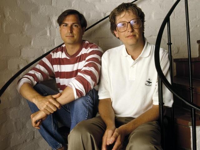 Steve Jobs và Bill Gates đã gặp gỡ và trở thành cộng sự, đối thủ và cả bạn bè trong suốt hơn nửa cuộc đời của họ.