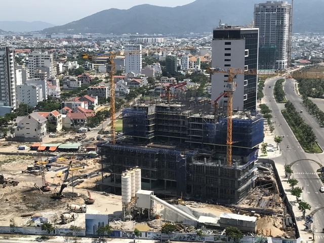 Theo quan sát, dự án đang được triển khai thi công đến tầng 12.